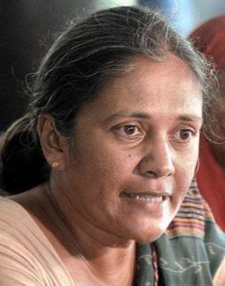 31-Madhuri-Ben-_TH_1473198e